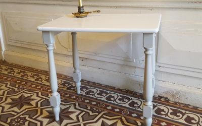 Table à écrire bicolore en hêtre