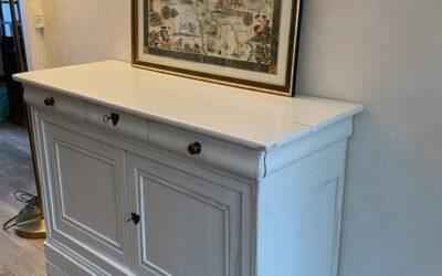 PATINE D'UN ANCIEN BUFFET EN PIN STYLE LOUIS PHILIPPE